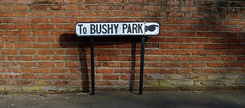 photo_bushyparksign2